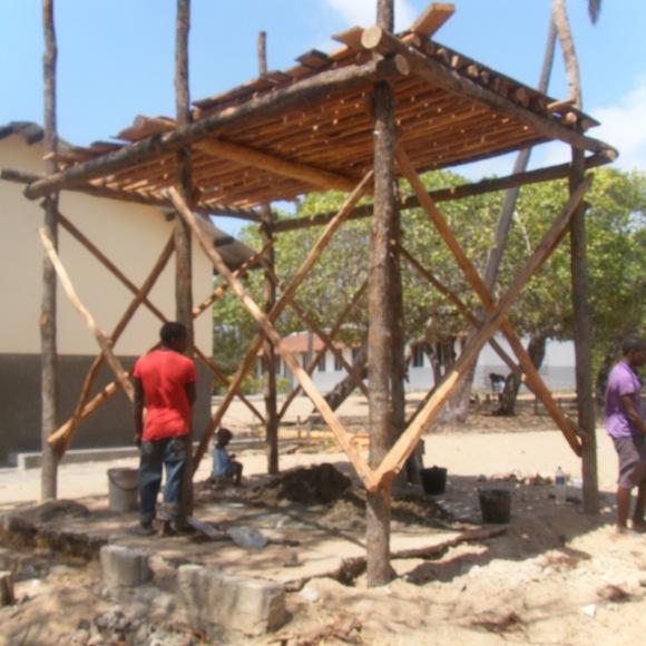 Holzkonstruktion für die Wassertanks