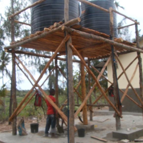 Die Tanks speichern je 5000 Liter Trinkwasser.